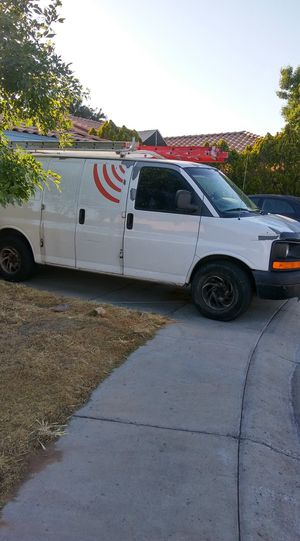Chevy Express Cargo Van, 6 cilinders $3500 obo for Sale in Glendale, AZ