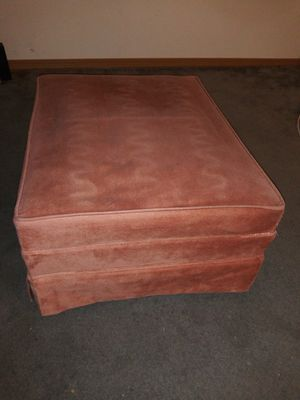 Pink ottoman for Sale in Tacoma, WA