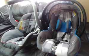 Baby Girl & Boy Car Seats $40 for Sale in Cincinnati, OH