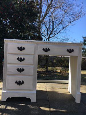 Desk for Sale in Silver Spring, MD