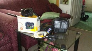 Zoom digital camera kodak Z712IS,with all caccessories,battery charger,cd software,USBcable,two instructions manuals..for $100. for Sale in Cleveland, OH
