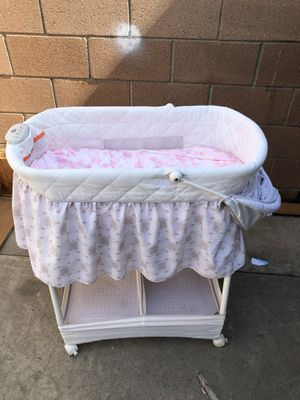 Delta bassinet, travel bassinet, changing table mat for Sale in South Gate, CA