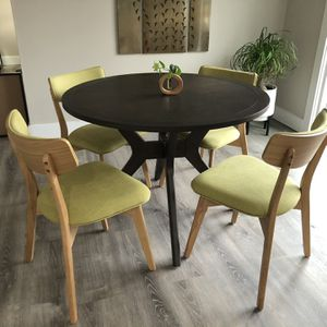Kitchen Table And Chairs for Sale in Chapel Hill, NC