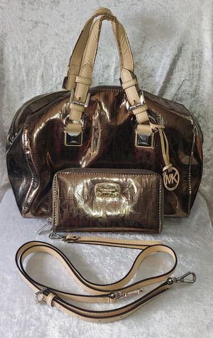 Michael Kors Purse Bag & Wristlet Wallet Set for Sale in San Diego, CA