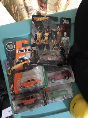 4 matchbox cars and 1 hot wheels premium LOT for Sale in Los Angeles, CA