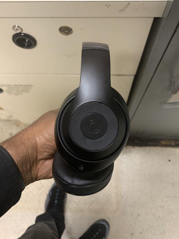 Beats by Dre studio with AppleCare warranty