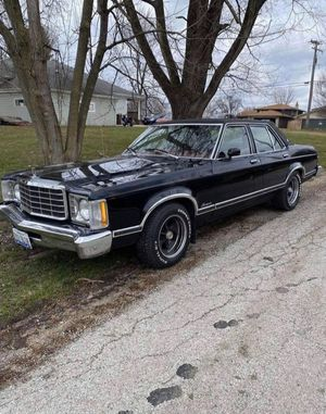 1976 Ford Granada Ghia Edition for Sale in Mokena, IL