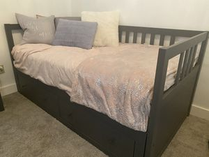 Twin bed for Sale in Bonney Lake, WA