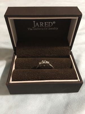 Diamond engagement ring from Jared's for Sale in Peoria, AZ