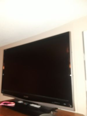 57 IN TV SHARP NO REMOTE NO SMART TV for Sale in Upland, CA