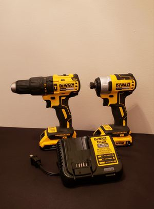 New Kit Dewalt Brushless whit (2) Batteries 2.0 AH Charger and Contractor Bag FIRM PRICE for Sale in Woodbridge, VA