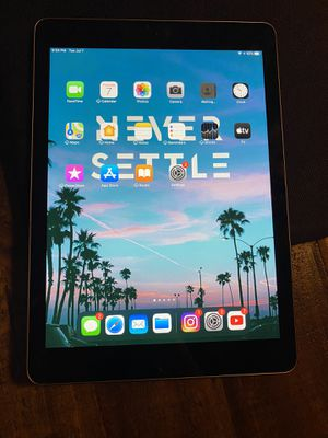 9.7 inch IPad for Sale in Fresno, CA