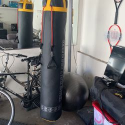 Speed Bag Brand New With Stand for Sale in Alhambra,  CA