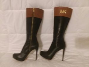 Michael Kors size 7 1/2 for Sale in Buffalo, NY