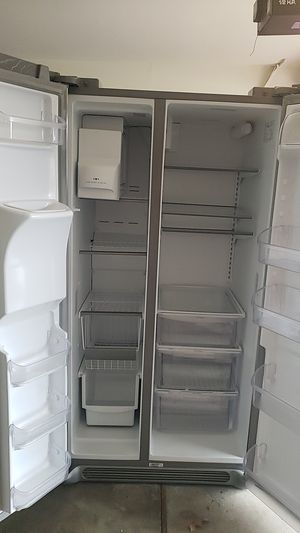 Frigidaire Gallery refrigerator for Sale in Tulsa, OK