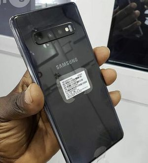 Unlocked Samsung Galaxy S10 Plus Black 128GB for Sale in Providence, RI