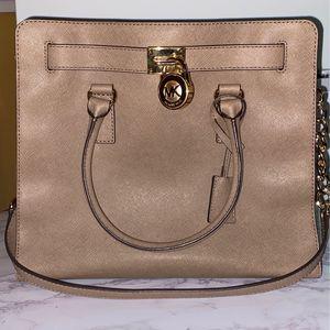 Michael Kors Hamilton Bag for Sale in Riverside, CA