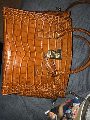 Michael Kors Hamilton brown for Sale in Tampa, FL