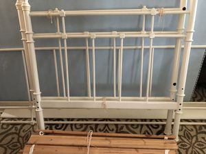 White metal twin bed frame for Sale in DuPont, WA