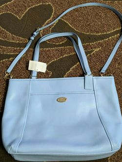 New leather Coach crossbody hand bag for Sale in Everett,  WA