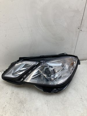 For 2010-2013 Mercedes Benz e350 e550 e class left driver side headlamp headlight for Sale in Pomona, CA