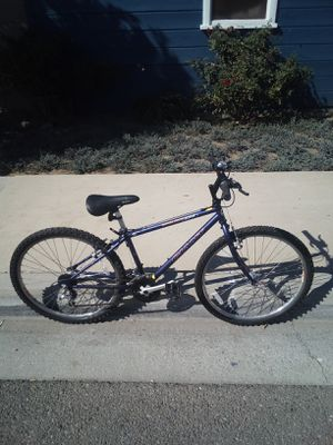 Giant Mountain Bike for Sale in Claremont, CA