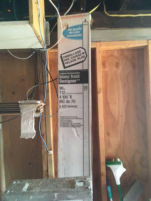 4' & 8' Fluorescence Lights for Sale in Wenatchee, WA