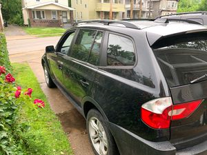 BMW truck 05 runs good for Sale in Cleveland, OH