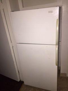 Refrigerator top freezer for Sale in Cleveland, OH
