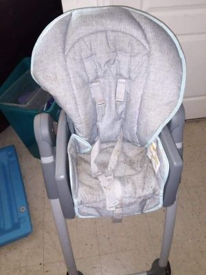 Baby high chair . Converts to booster seat for Sale in Ave Maria, FL