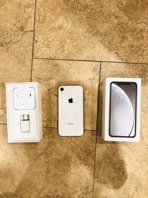 iPhone XR for Sale in Chandler, AZ