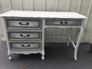 French Provential Desk for Sale in Murfreesboro, TN