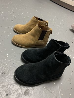Boys Chelsea boots size 7 for Sale in New Milford, NJ
