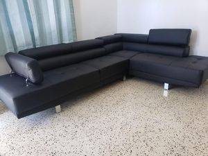 Black sectional // financing available only $49 down payment for Sale in Miami, FL