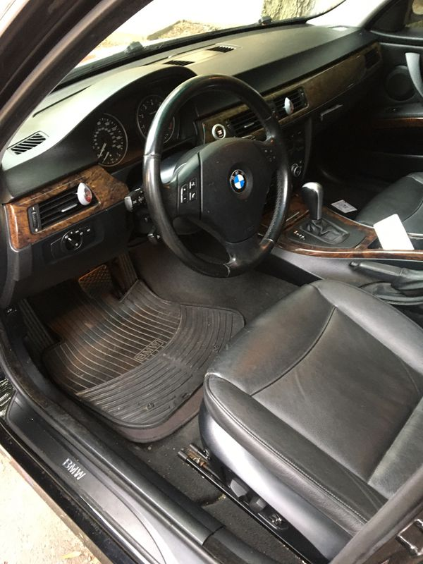 Here we go again!!!2007 325 xi all wheel drive !!! Another fantastic vehicle that will be sold very fast!! Serious buyers only please car runs exce