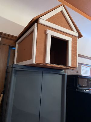 (New Hand Built Dog House) carpet included,I recommend for small dogs only. for Sale in San Francisco, CA