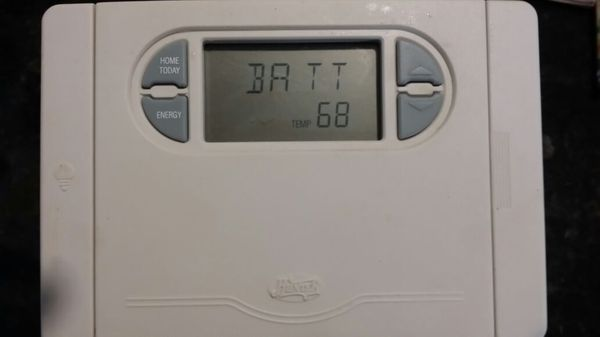 HUNTER PROGRAMABLE THERMOSTAT