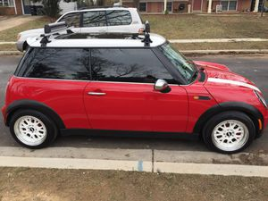 2005 Mini Cooper con 129 Mil Millas título rebuilt Listo Para Plaquiar for Sale in Hyattsville, MD