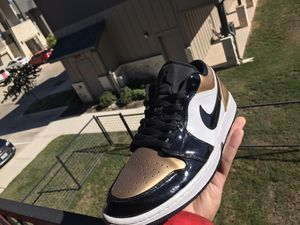 Jordan retro 1 low gold toe for Sale in San Antonio, TX