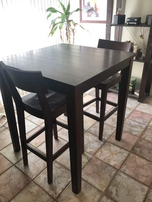 High top kitchen table & 2 chairs. for Sale in Phoenix, AZ