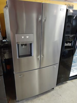 New Frigidaire Gallery Refrigerator for Sale in Los Angeles, CA