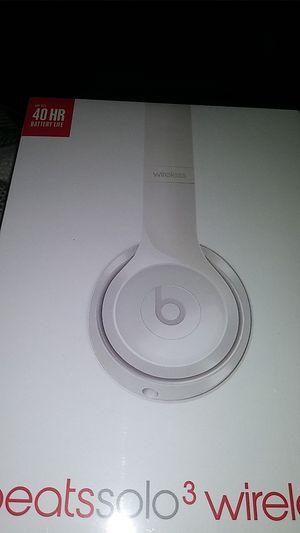 Beats solo3 wireless for Sale in Milledgeville, GA