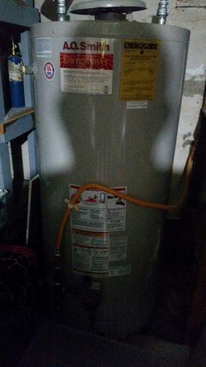 Gas water heater for Sale in Portland, OR