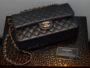 Chanel Black Grained Calfskin & Gold Toned Chain Link Small Shoulder Bag for Women for Sale in Sunnyvale, CA