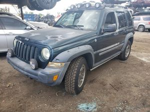 Jeep liberty for part only 2005 for Sale in Miami Gardens, FL