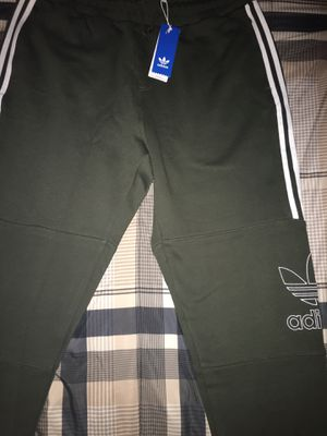 Adidas men's sweats for Sale in Victorville, CA