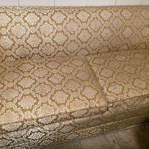 Free Pull Out sofa for Sale in North Smithfield, RI