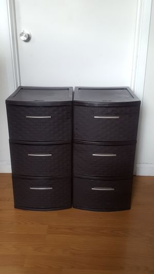Set of 2 Sterilite 3 Drawer Medium Weave Tower Brown plastic container storage for Sale in Pinole, CA