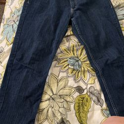 Ladies 524 Levi's for Sale in Henderson,  NV