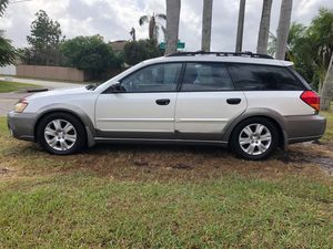 2005 Subaru outback station wagon 4cyl All Wheel Drive for Sale in Kissimmee, FL